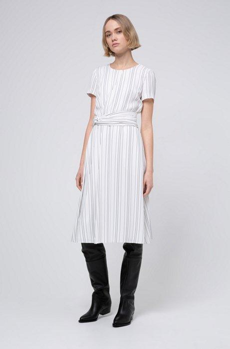 Gestreepte jurk met tailledetail, Wit