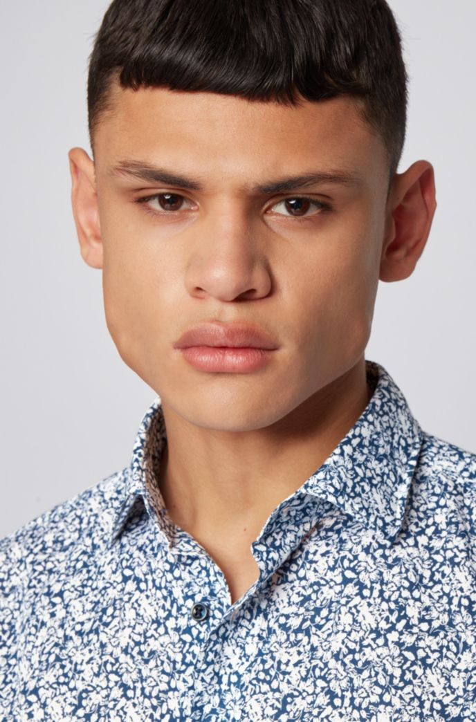 Slim-fit shirt in floral-print cotton and linen