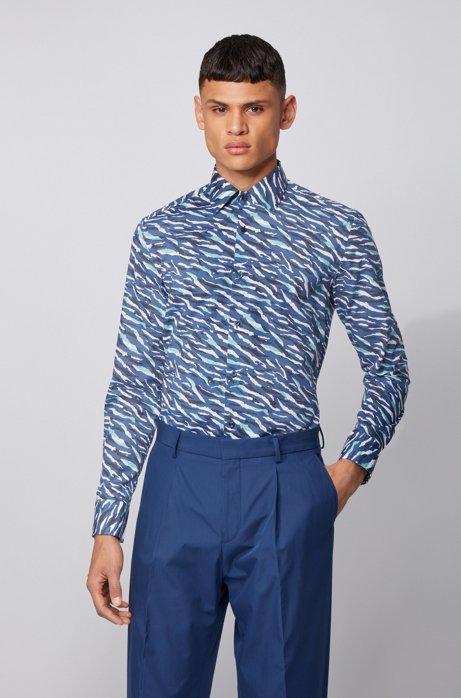 Camicia slim fit in cotone con stampa animalier astratta, Blu scuro
