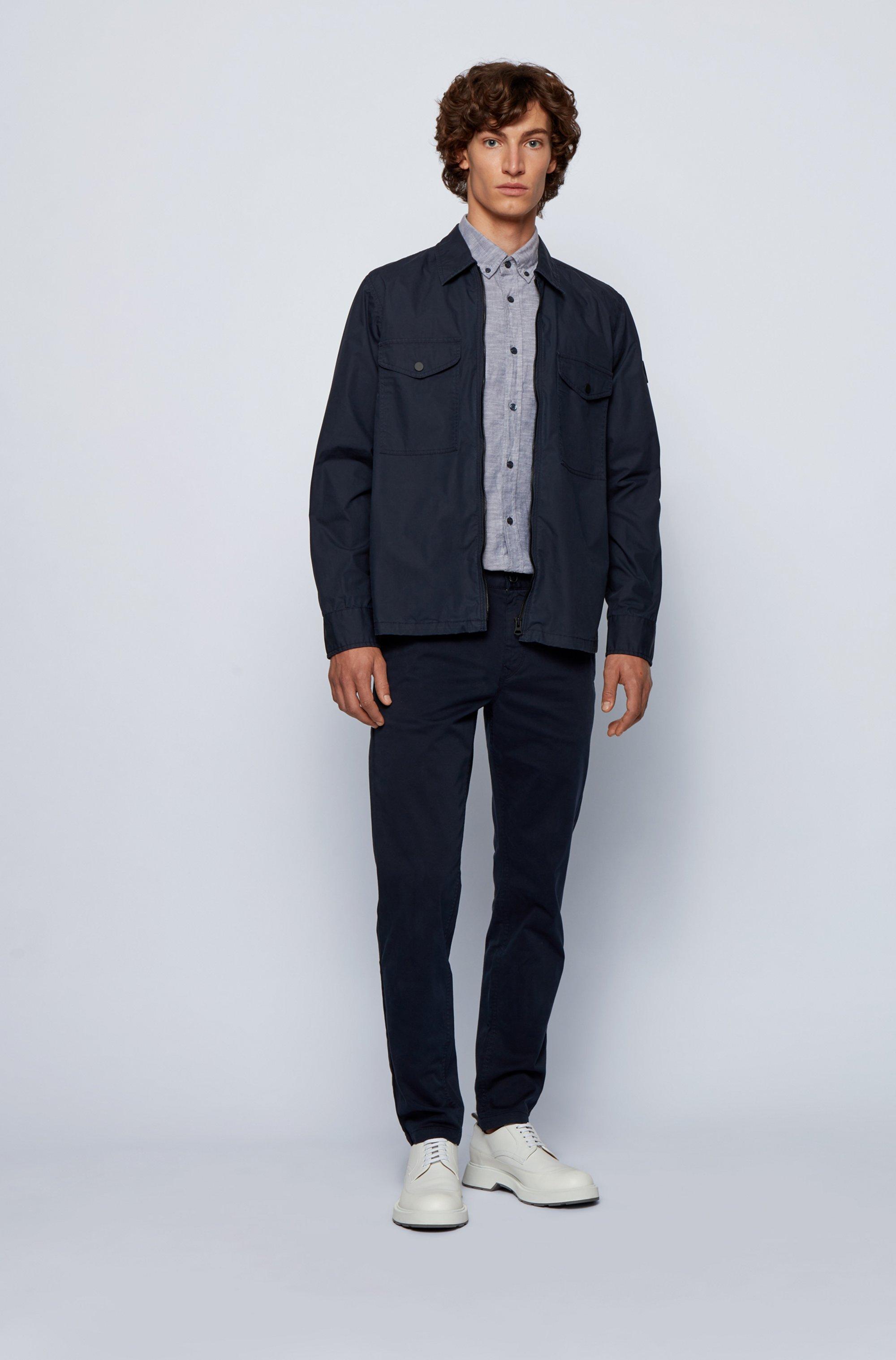 Camicia slim fit in cotone Oxford con toppa con logo jacquard