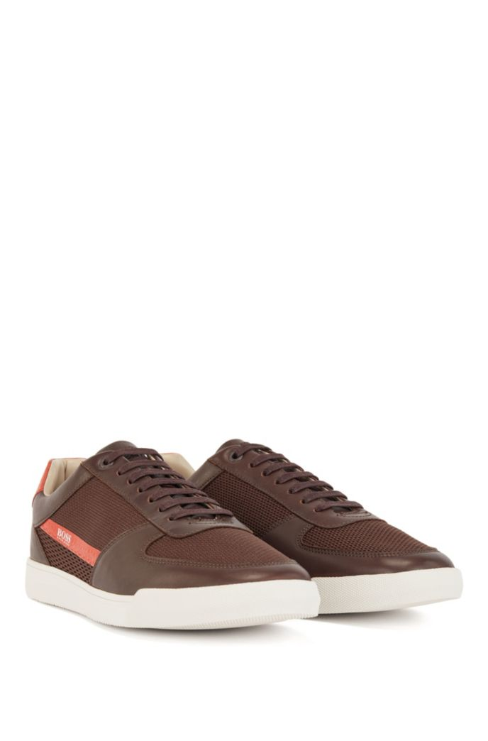 Low-top trainers in leather and mesh