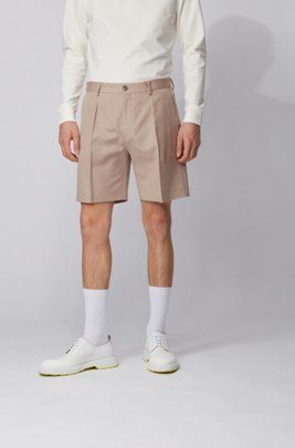 Relaxed-fit pleat-front shorts in cotton with linen, ライトベージュ