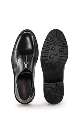 Slip-on shoes in leather with zip details, ブラック