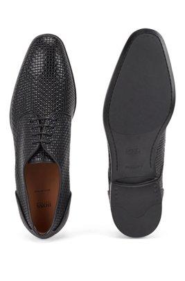 Zapatos derby elaborados en Italia en piel de becerro grabada con efecto tejido, Negro