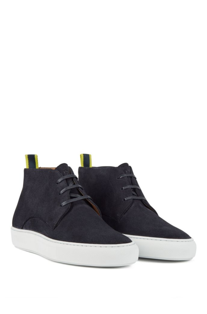 Calf-suede desert boots with rubber sole