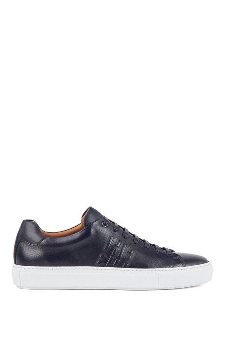 In Italië vervaardigde sneakers van kalfsleer met monogramdetail, Donkerblauw