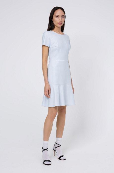 Fein gemustertes Kleid aus Stretch-Gewebe mit U-Ausschnitt, Hellblau