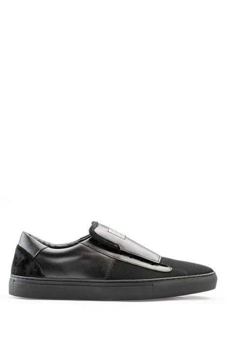 Schuhe zum Hineinschlüpfen aus Glattleder mit tonalen Bahnen, Schwarz
