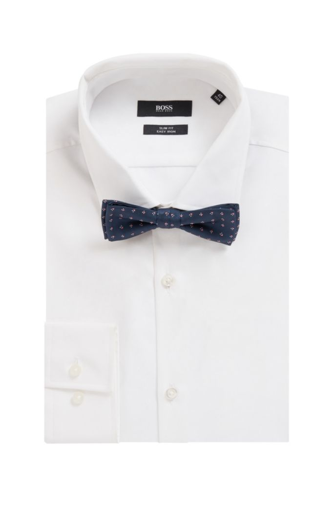 Italian-made bow tie in a patterned silk blend