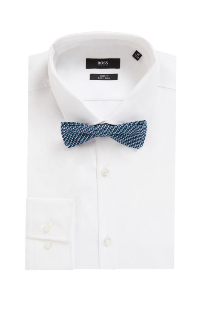 Italian-made bow tie in micro-patterned silk