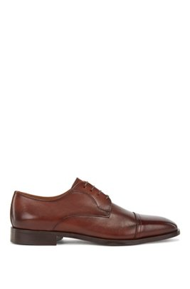Derby shoes in calf leather with cap toe, Brown