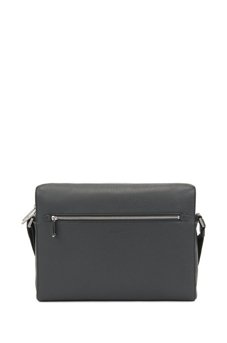 Messenger bag in grained Italian leather, Black