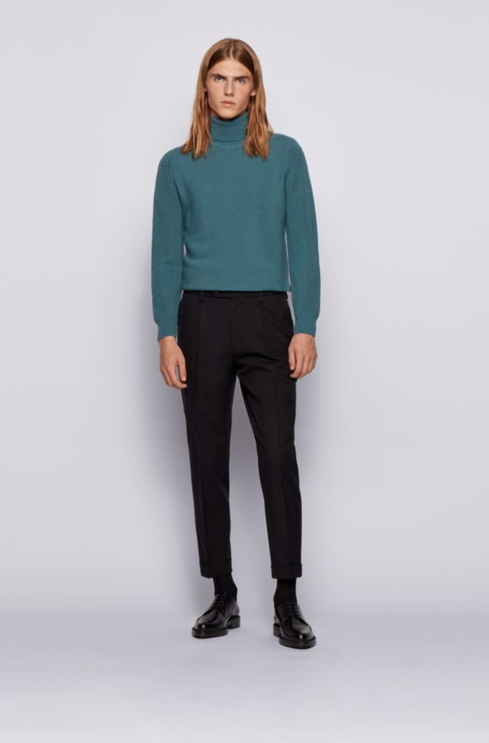 Rollneck sweater in a structured wool blend