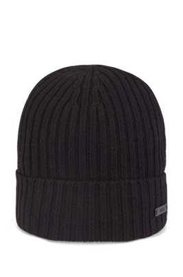Ribbed beanie hat in virgin wool with logo badge, Black