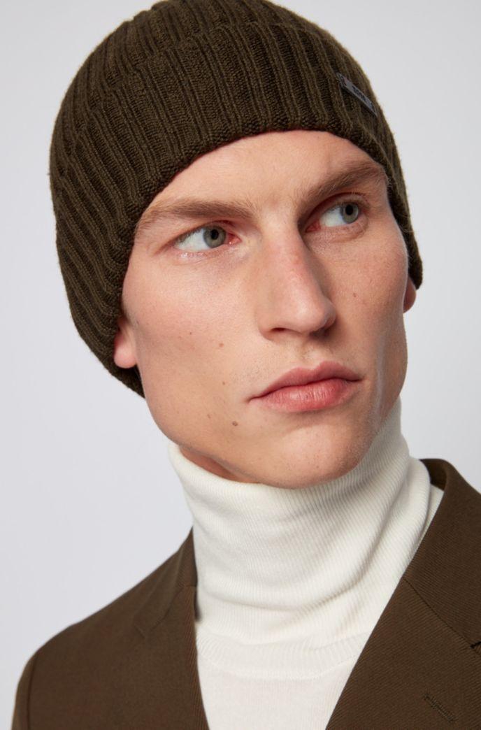 Bonnet en laine vierge côtelée avec badge logo