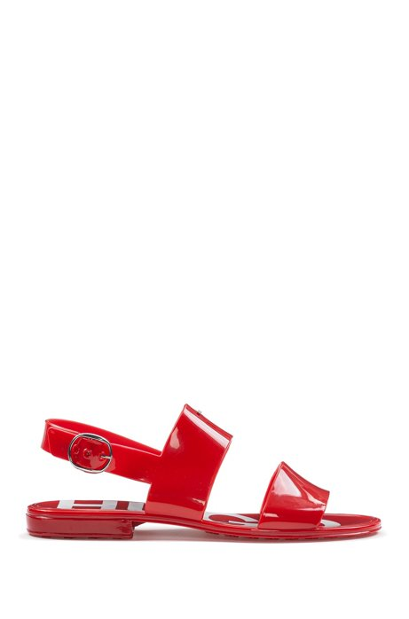 In Italië vervaardigde sandalen van glanzend pvc, Rood