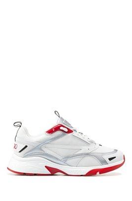 Schnür-Sneakers aus Material-Mix mit Logo-Sohlen, Weiß
