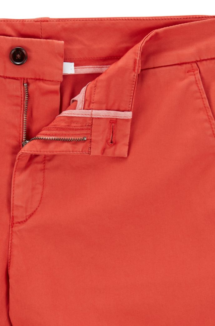 Chino court Regular Fit en coton stretch
