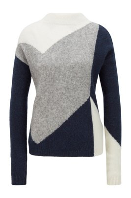 Knitted sweater with large-scale chevron pattern, Patterned