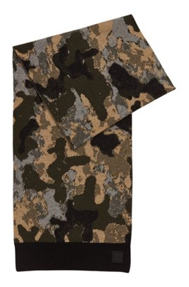 Camouflage scarf with rubber logo badge, Black
