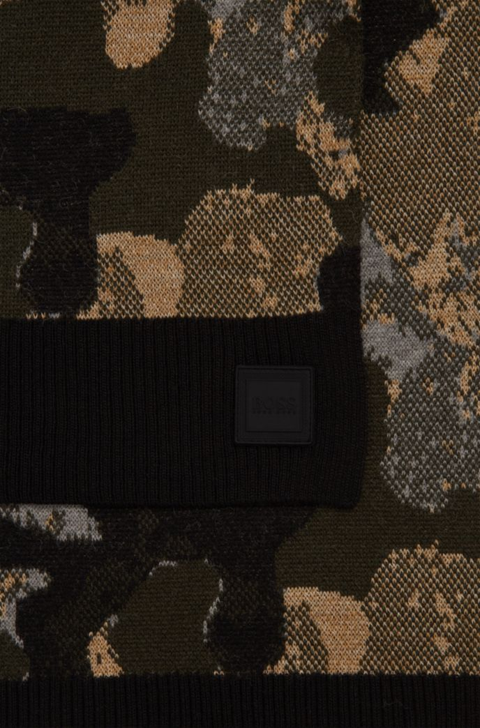 Camouflage scarf with rubber logo badge