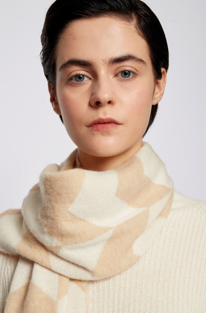 Jacquard-knit scarf with abstract houndstooth pattern
