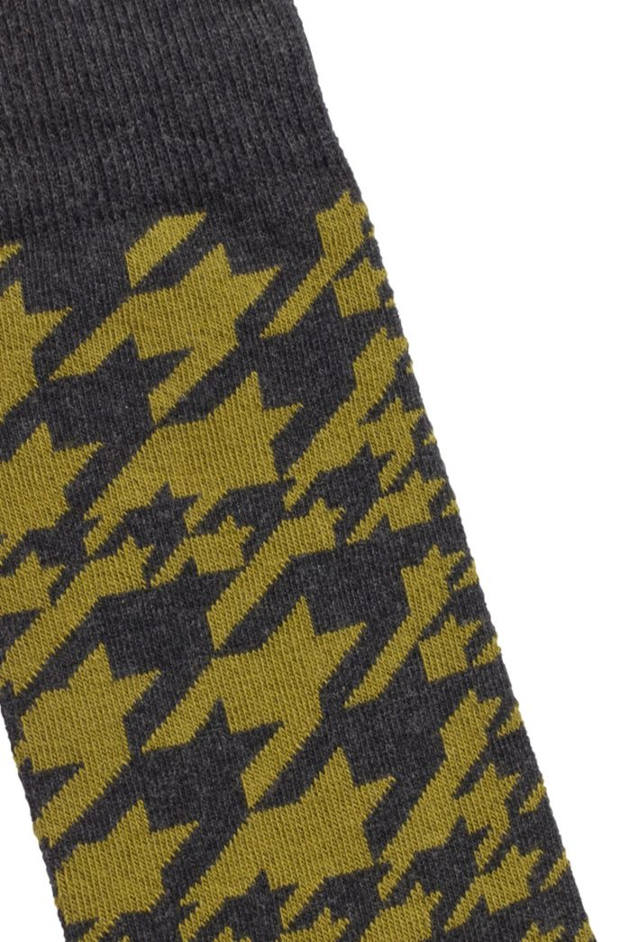 Regular-length socks in cotton blend with houndstooth pattern