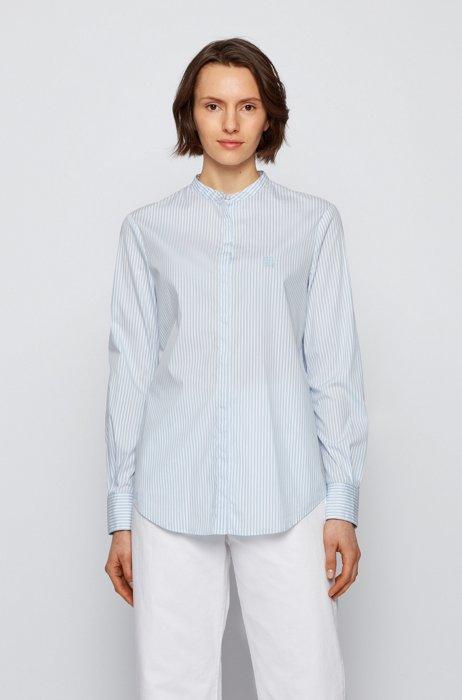 Gestreifte Relaxed-Fit Bluse aus elastischem Baumwoll-Mix, Hellblau