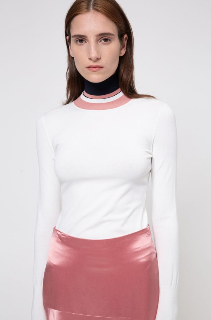 Sustainable-yarn sweater with striped multiway collar