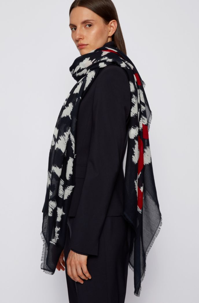 Lightweight scarf in cotton and modal with collection print