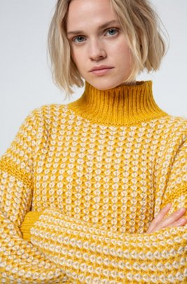 Rollneck sweater with two-tone knitted structure, Dark Yellow