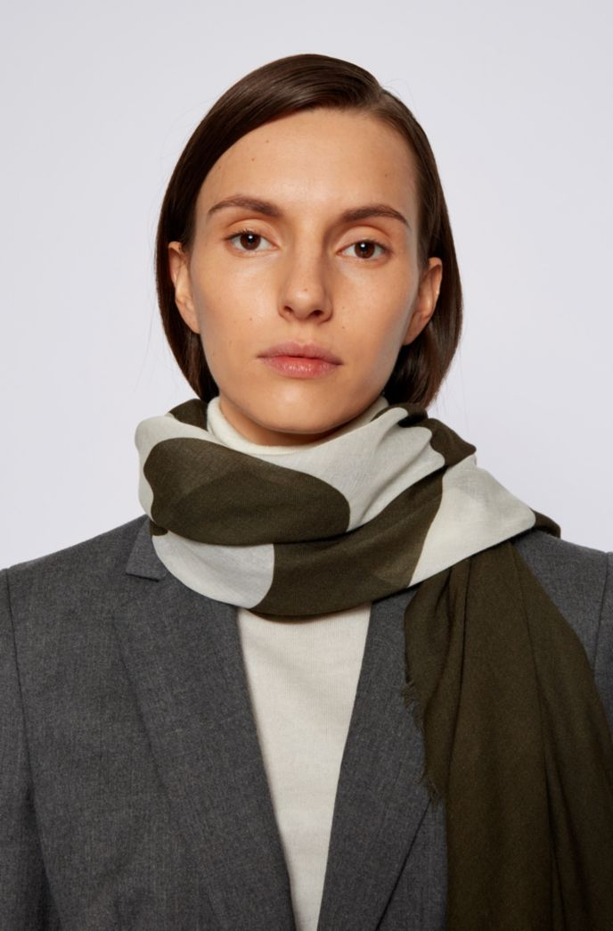 Square scarf in melange fabric with cropped logo