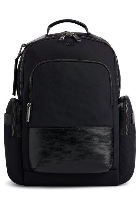 Rucksack mit mehreren Taschen und Monogramm-Adressanhänger, Schwarz