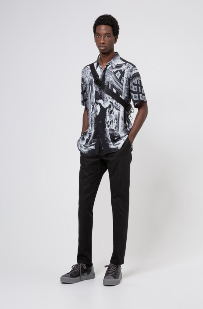 Relaxed-fit shirt with collection-themed print