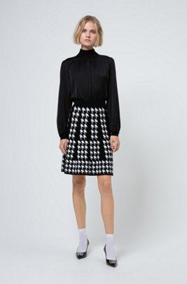 Regular-fit A-line skirt with houndstooth motif, Patterned