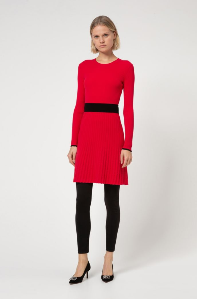 Slim-fit knitted dress with contrast waistband