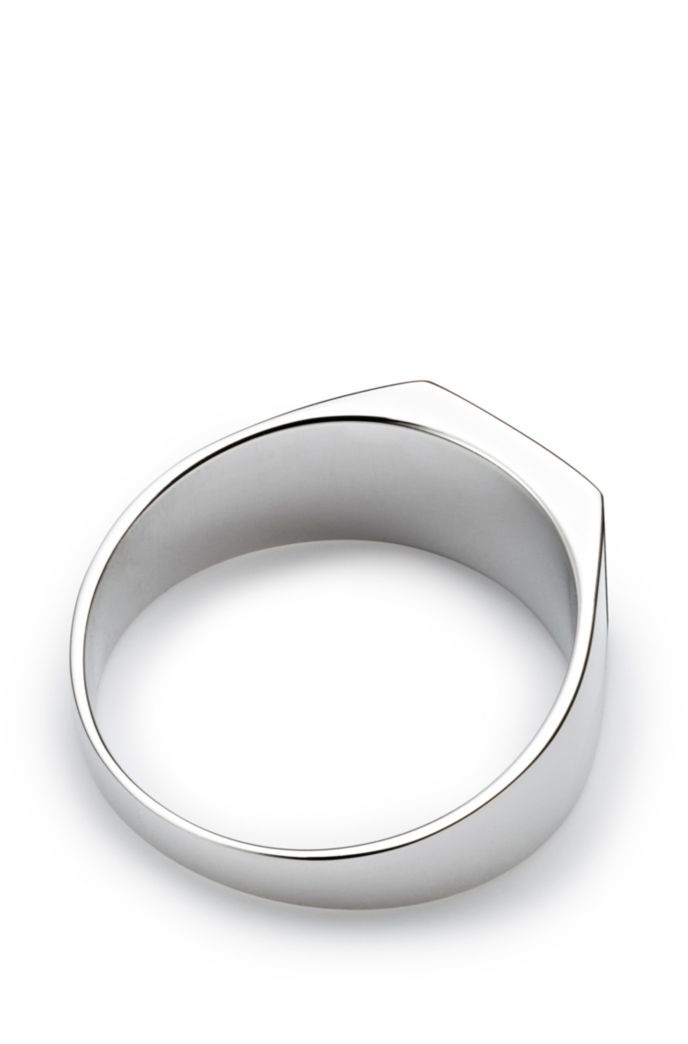 Signet ring in sterling silver with engraved logo
