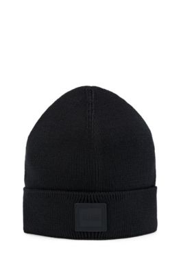 Ribbed beanie hat with rubberised logo badge, Black