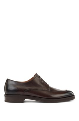 Derby shoes in smooth leather with apron toe, Dark Brown