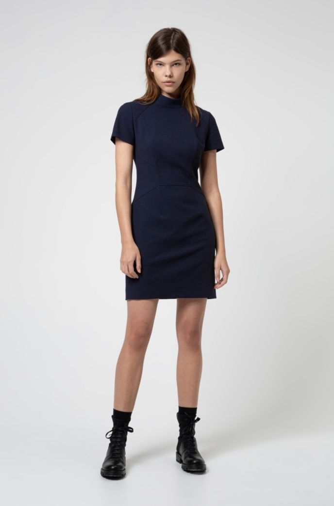 Short-sleeved dress in stretch fabric with houndstooth structure