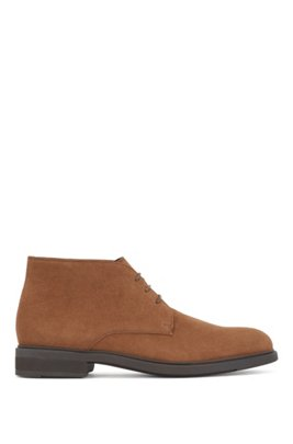 Italian-made desert boots in suede with Outlast® lining, Brown