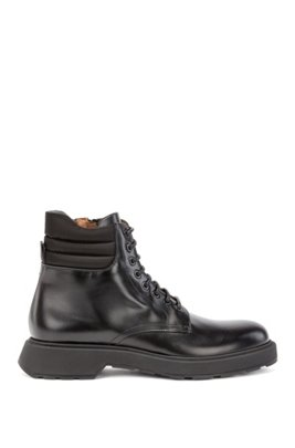 Italian-made boots in smooth leather with padded collar, Black
