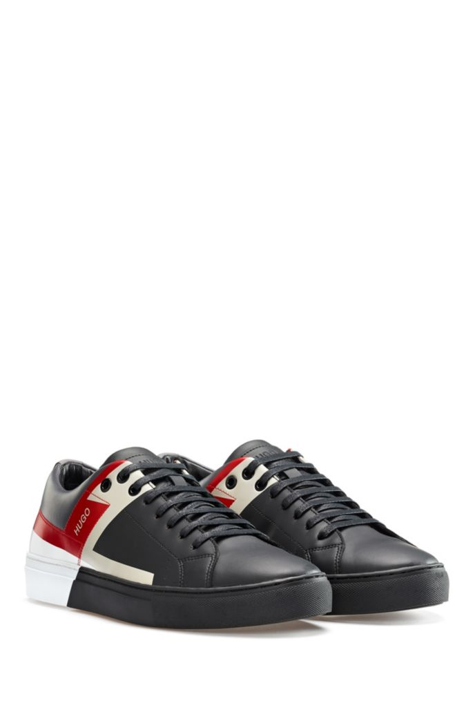 Lowtop Sneakers mit Colour-Block-Print