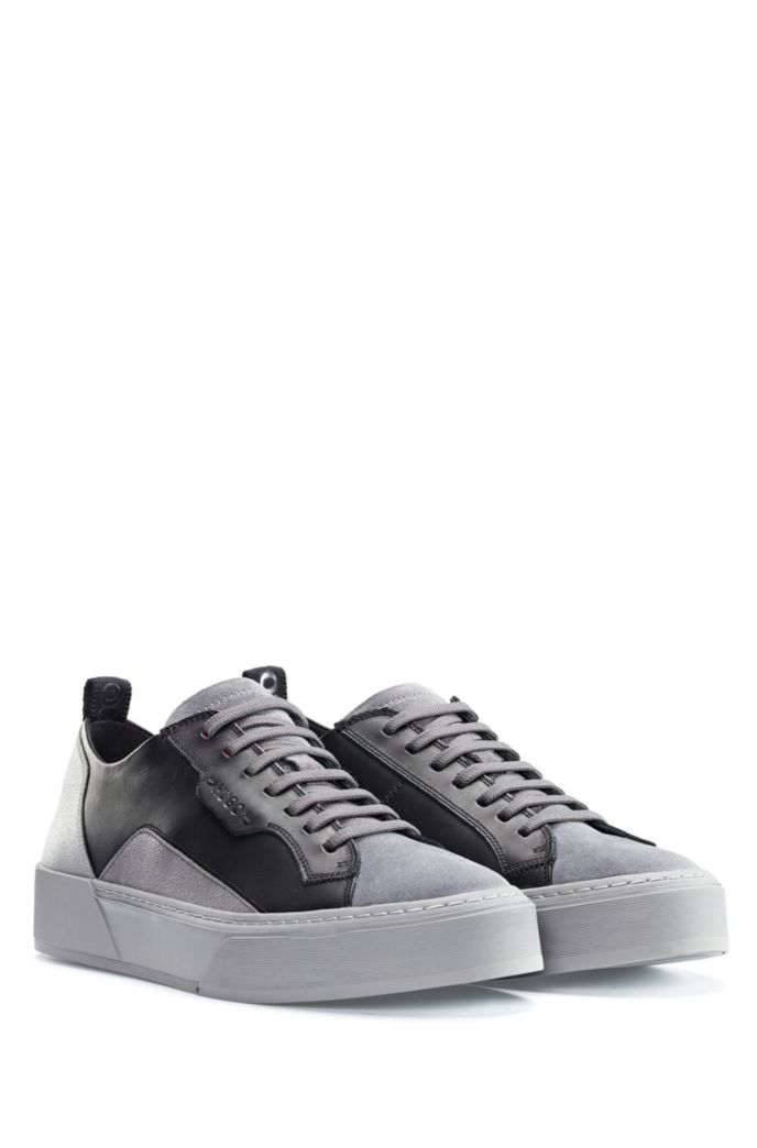 Hybrid-upper trainers with bamboo-charcoal lining