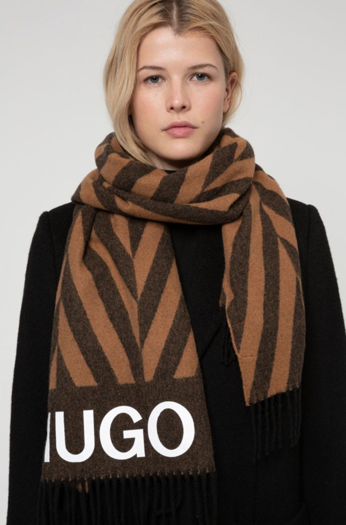 Logo scarf with alternating-stripe pattern