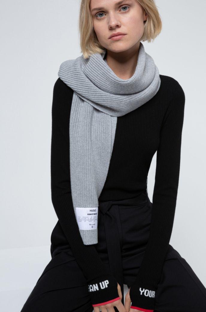 Manifesto-badge scarf in an organic-cotton blend
