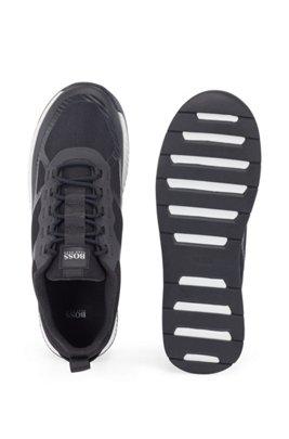 Sneakers ibride con rivestimenti in pelle scamosciata, Nero