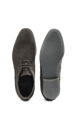 Lace-up desert boots in suede, Dark Grey