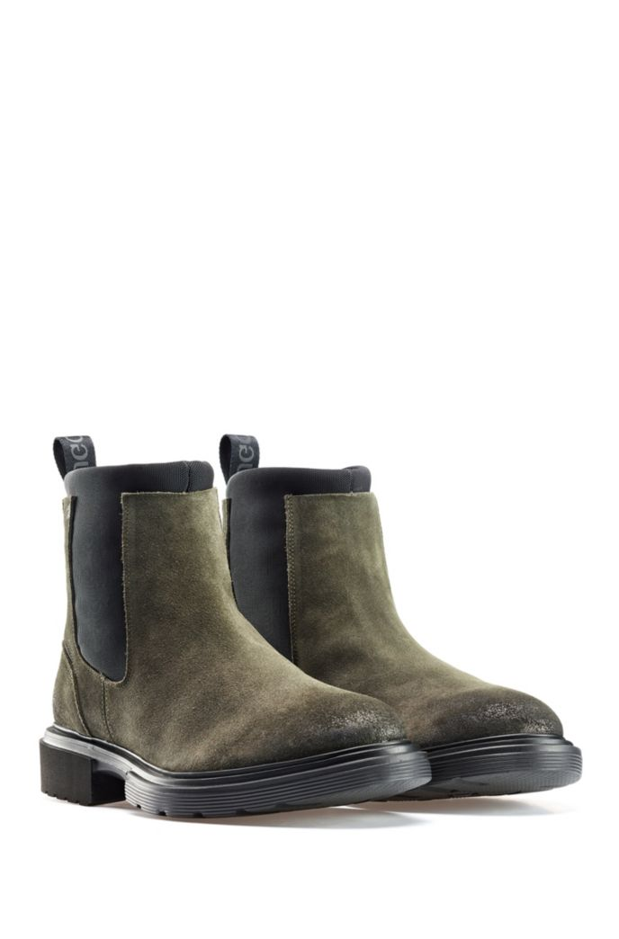 Chelsea boots in suede with neoprene detailing