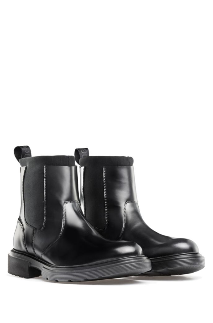 Chelsea boots in brush-off leather with neoprene inserts